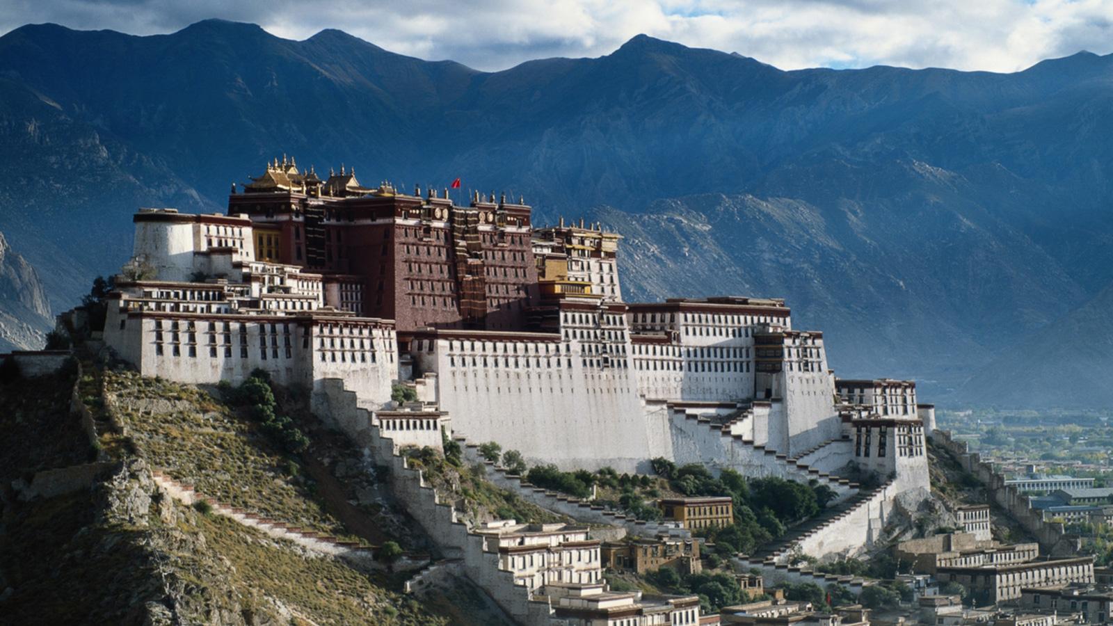 Lhasa-Potala-CITS-2.jpg