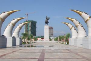 Hohhot-Geghiz-Khan-Monument